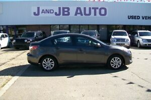 ** ONLY $13990! ** 2013 mazda 3   ** EveryOne Approved ***