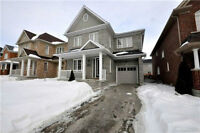 Beautiful  Detached Home For Rent In Newmarket