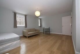 BETHNAL GREEN, E2, WONDERFUL 2 DOUBLE BEDROOM APARTMENT
