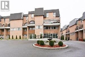 4+1 beds, 2 baths Condo Townhouse at 100 MORNELLE CRT