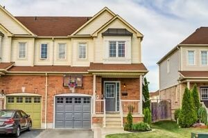 Beautiful New Renovated House in The Heart of Whitby