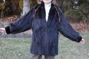 Classic Woman's Mink Jacket Imported from Germany West Island Greater Montréal image 2