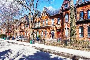 Downtown Toronto main floor apartment in a fine Victorian home