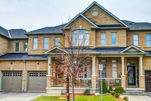 Townhouse For Sale on Quiet Street in Milton