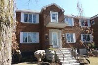 *Bright, Spacious 6½ Upper Duplex for rent-Snowdon*