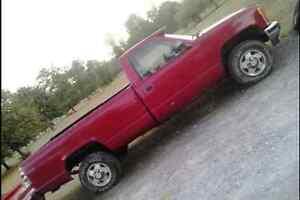 92 gmc sierra 4x4 offroad truck or fix Belleville Belleville Area image 2