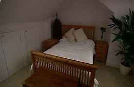 Double Room in West London close to 3 train stations
