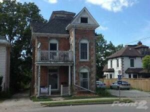 Multifamily Dwellings for Sale in Owen Sound, Ontario $169,900