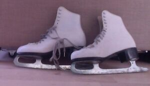 CCM figure skates, women's 10