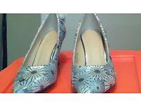 silver pattern shoes size 5