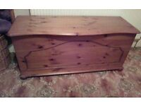 Solid Pine Bedding box