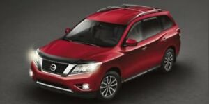 2015 Nissan Pathfinder 4X4 SL 7 PASSENGER Accident Free,  Leathe