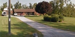 3 Bedrooms Bungalow for sale on 1.34 acre land in Caledon