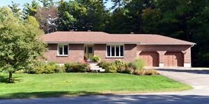 GORGEOUS RANCH BUNGALOW CLOSE TO THE ST. LAWRENCE RIVER
