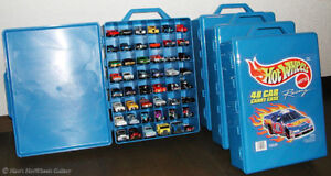 Hot Wheels Carry Case plus collection of cars