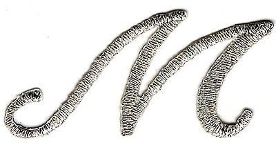 4.8cm Kostüm Metallic Silber Cursive Alphabet Buchstabe M Gestickter Aufnäher