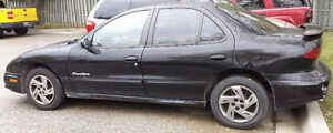 2000 Pontiac Sunfire Sedan Windsor Region Ontario image 2