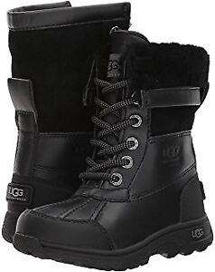 Black UGGS boots//bottes UGGs noir