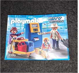 PLAYMOBIL CITY ACTION - HOLIDAY SET 5399 - BRAND NEW AND SEALED