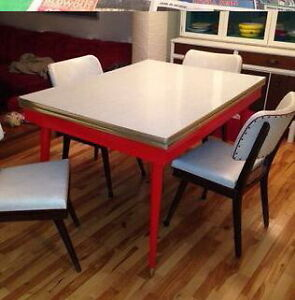 Retro modern Table and chairs