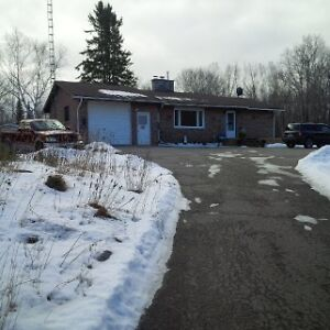 BEAUTIFUL 3 BEDROOM BUNGALOW ON 39 ACRES HAVELOCK
