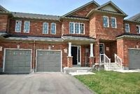 Short term rental -Luxury Townhouse available in Stouffville