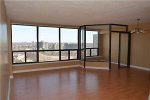 Beautiful 3 Bedroom Condo Located Minutes from Square One