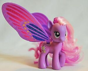 5 G4 My Little Pony Figures - Prices in Ad