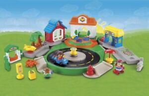 Fisher-Price Little People Discovery Village