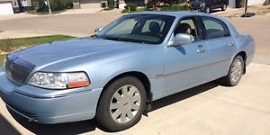 2005 Lincoln Town Car Limited Sedan