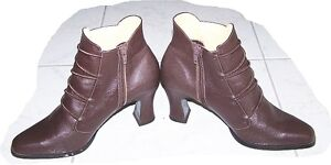 Women's Leather Ankle Boots - brown London Ontario image 2
