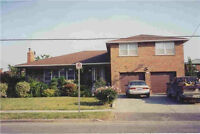 @@@ Large 4 Bdrm House, Luxury Street, Lots of Space, Transit@@@