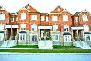 TOWN HOME AVAILABLE FOR RENT IN MARKHAM