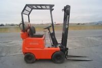 forklift,lifttruck ,chariot elevateur, toyota 300lbs, no 8373