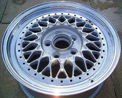 Polished Alloy Wheel With a Drill Mounted Kit
