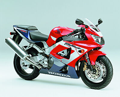 The 2000 Fireblade with USD forks for the first time.