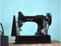 Singer Featherweight Sewing Machine / Vintage Collectors Item