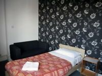 Room available, no deposit, needed benefits, DSS accepted, move in today