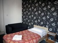 Rooms available no deposit needed benefits DSS accepted move in today NG7.