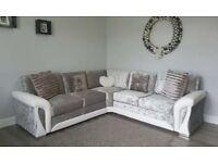 Scs Stylish Corner sofa with FREE POUFFE