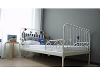 Extendable toddler bed (white) Ikea Minnen WITH mattress (very good condition)