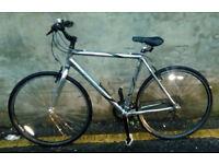 Mens Trek 7100 FX Hybrid Mountain Bike In Good Condition