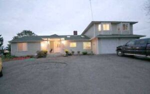 5 BDRM HOME FOR RENT ON 1ACRE