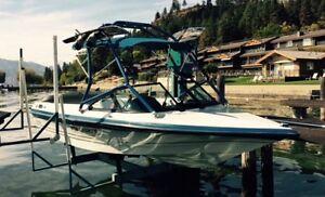 MB Sport tournament ski boat with Samson tower