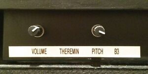 THEREMIN avec / with amplifier amp digital delay antique cabinet West Island Greater Montréal image 8