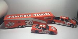 1999 Tony Stewart Home Depot 1:24 Crew Cab, Trailer & Car