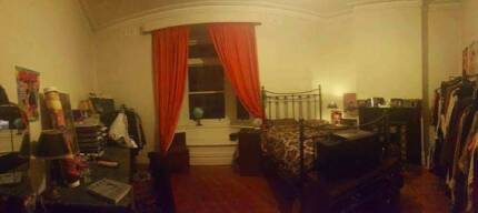 MASSIVE room in North Fitzroy for a COUPLE or TWO friends