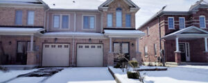 House For Rent Niagara On the Green 1900$