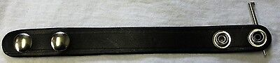 BOSTON LEATHER 5456K-1 BELT KEEPER PLAIN BLACK LEATHER WITH HIDDEN HANDCUFF KEY