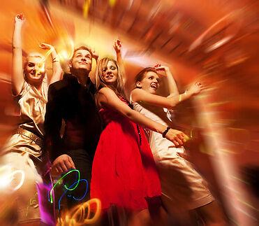 Ratgeber Tanzmusik: Stilmix für die Party oder Übungs-CD für den Tanzkurs?